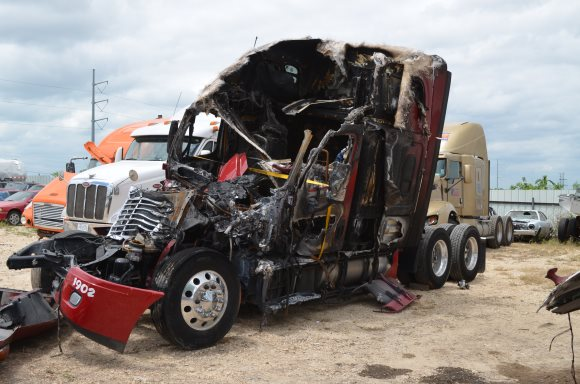 Truck Wrecks In Texas A Growing Problem Cappolino
